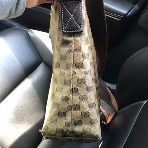 Gucci Bags - Gucci messenger bag Authentic